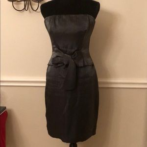 Beautiful THE LIMITED strapless gray dress Size 4